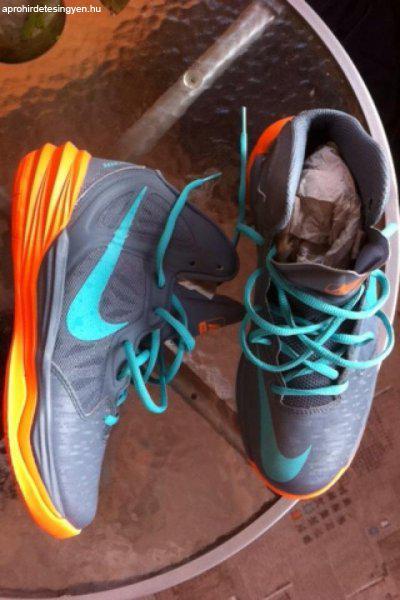 Nike Jordan Jumpman Hustle Eladó Nike Kosárlabda Cipő